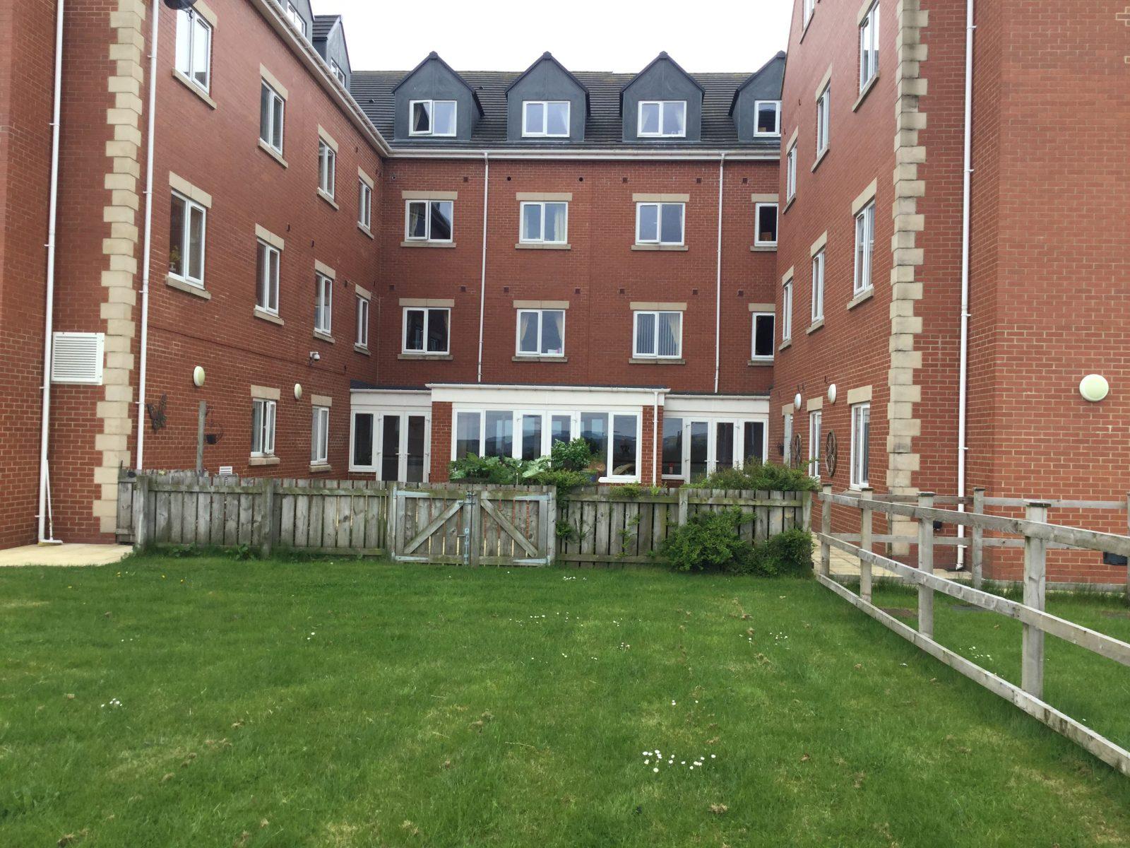 Dipton Manor -