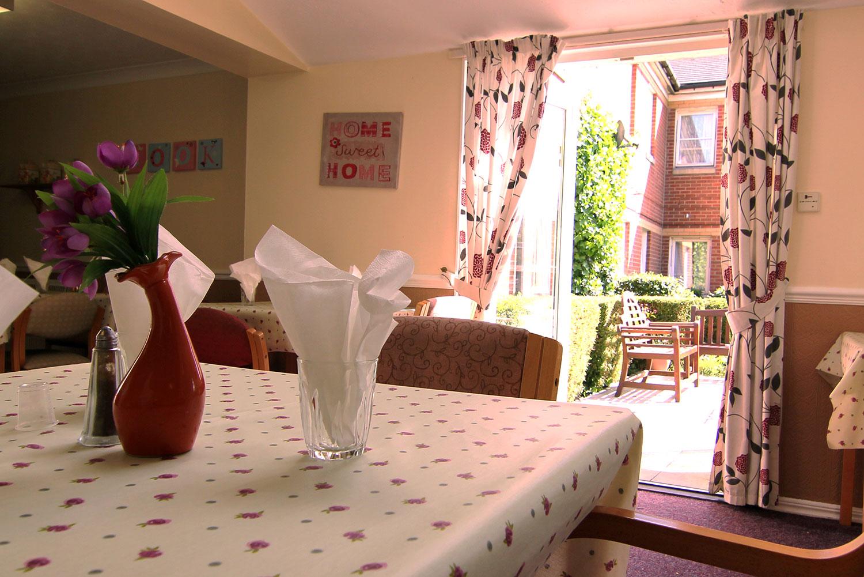 Darlington Manor - Dining Room